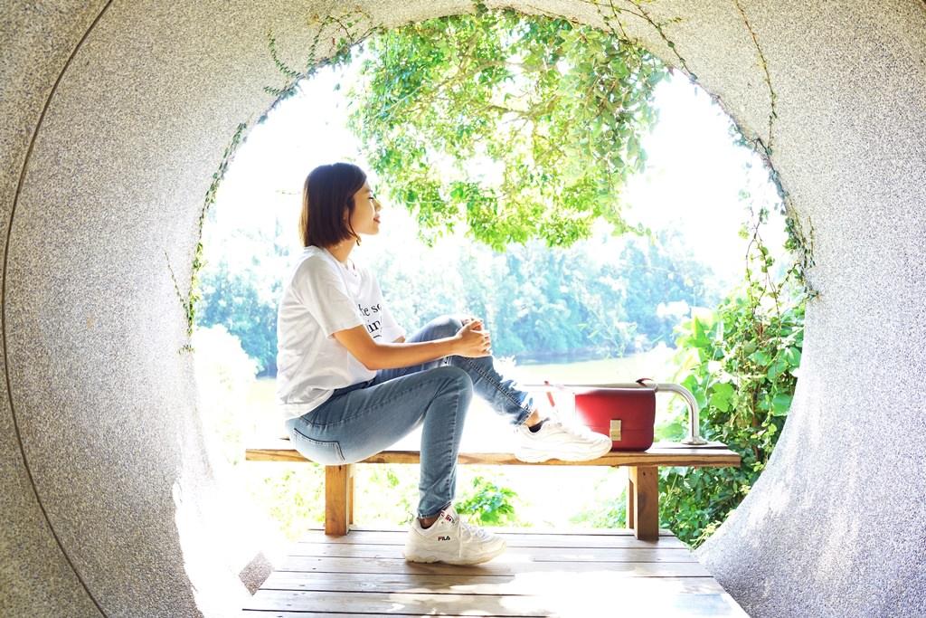 苗栗景點/苗栗一日遊│日新島水榭樓台。明德水庫湖中島咖啡廳‧好美好放鬆!