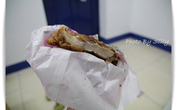 澎湖美食│超厚雞排PK~大口香雞排VS阿亮香雞排*