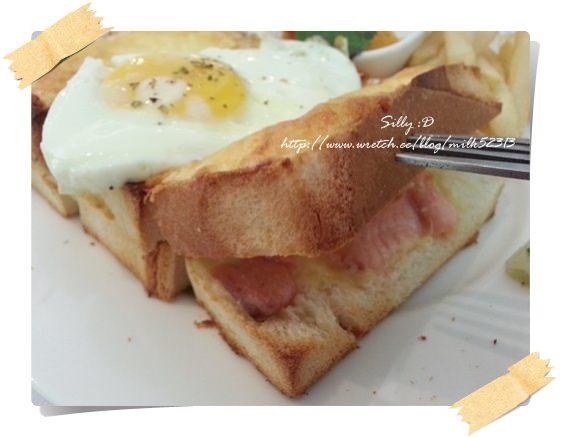 [美食] 新竹-三訪白色小舖!吃不膩的吐司先生新口味也好吃*